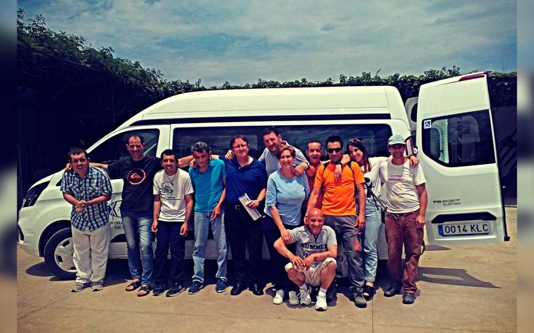 Betsaida, centro de Obras Cristianas de Gibraleón, cuenta con un nuevo vehículo adaptado para el transporte de sus residentes