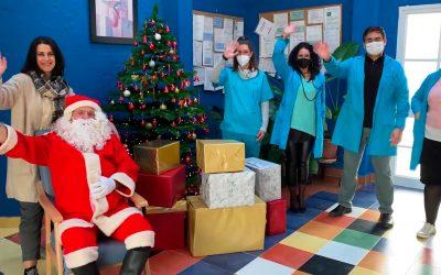Papa Noel visita a los residentes de El Complejo Residencial Betsaida